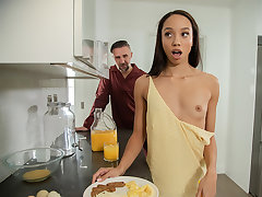 Alexis For Breakfast