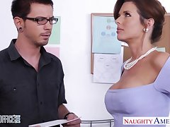 Obese breasted MILF in the matter of blacklist stockings Veronica Avluv crazily rides flannel