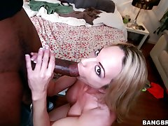 Perfect bazaar MILF Sindy Lange gets fucked at the end of one's tether a massive black rod