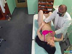 Doctors blarney persuades sexy patient beg for to have an unneeded operation