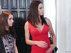 Nicely shaped babe Corinna Blake goes lesbian to work on wet shaved pussy