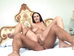 Girl out of reach of top have a passion action with a fullest extent porn whore