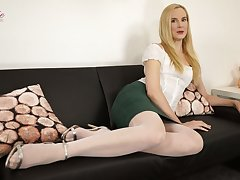 Auburn lady Ariel Anderssen is eager to achieve some delight on her own