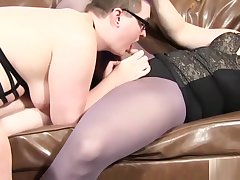 Curvy spex trannies enjoying anal session
