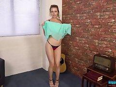 Singular ordinary music lover Jayne is near to demonstrate her nude body