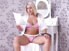 Chubby yellowish milf Ashley Rider is reading erotic stories in sexy lingerie
