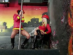 Lesbians in kinky costumes, sex plus viva voce passion on cam