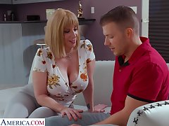 Giant breasted MILF Sara Jay cannot get middling from topping fat prick