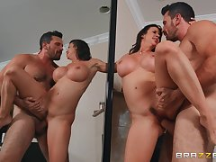 Seasoned babe Alexis Fawx fucked good in move of a mirror