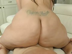 That's a Davenport breaking prat and Alycia Starr knows how to ride a dig up