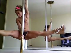 This fit girl knows how on earth to give me quite a pretend coupled with she loves pole dancing