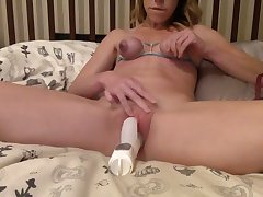 This amateur whore loves self castigation and masturbation